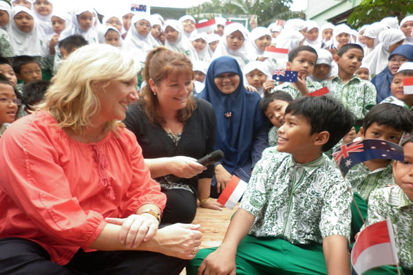 Kathy McVeigh and Melinda Douglas from Marlborough Primary School visiting their Australia-Indonesia BRIDGE partner school MIN Cempaka Putih in Jakarta