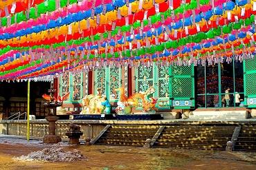 Seoul-Buddhist.temple-Jogyesa-01