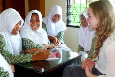 Indonesian students meet with Australia students in Indonesia