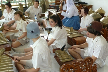 Students at Tranby College learn to play Asian instruments
